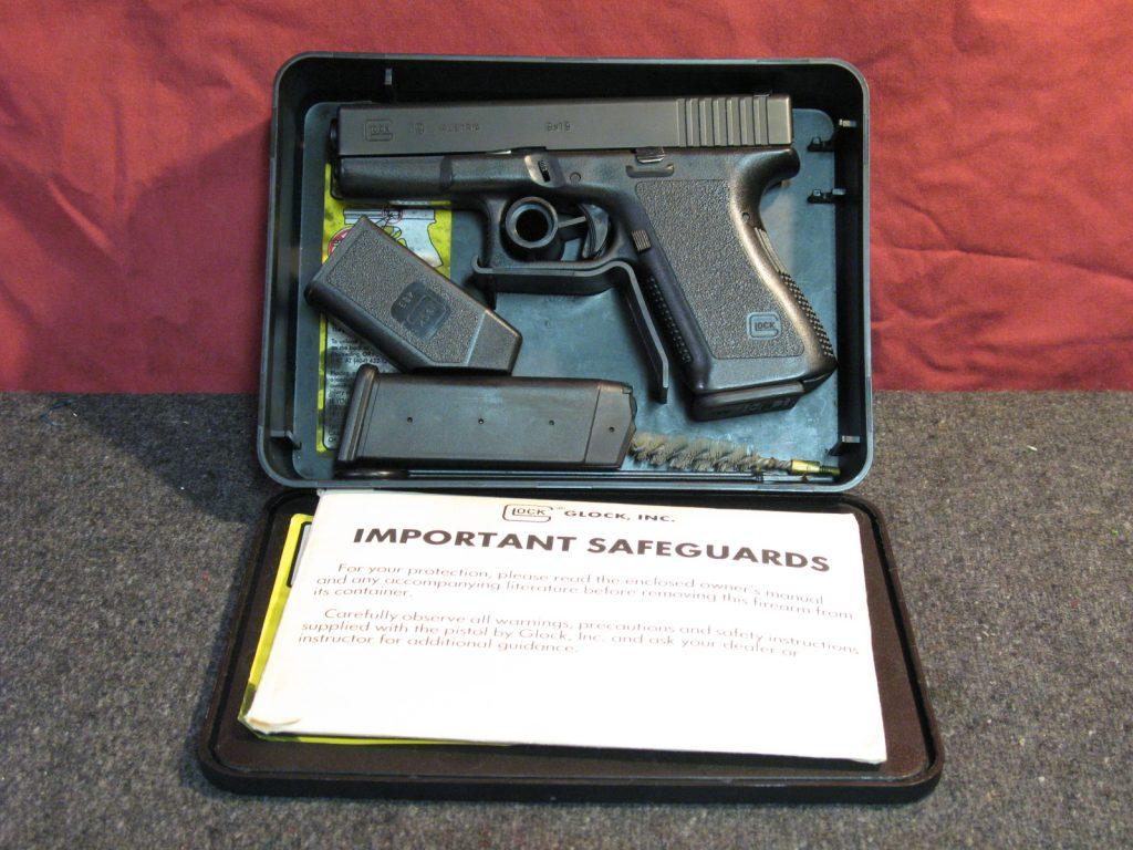Highly desirable Gen 2 Glock 19.